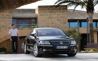 Volkswagen Phaeton makes world debut at Geneva