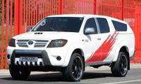 Hilux Sport concept powers into CV show 2007