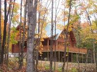 4 bedroom Luxury Log home in the Laurentian forest