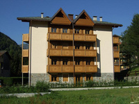 Apartments opposite the piste ideal for family holidays