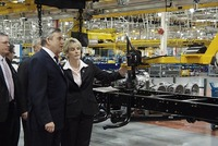 PM visits PACCAR's Leyland Trucks plant