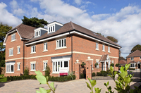 Show apartment success in Sunbury-on-Thames