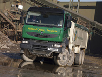 M&Z takes Renault Kerax Tipper for Midland Quarry Products