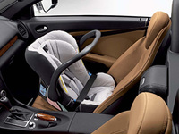 mercedes benz lowers the cost of buying child safety seats easier. Black Bedroom Furniture Sets. Home Design Ideas