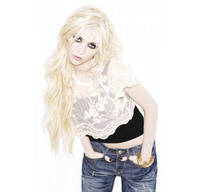 Taylor Momsen models for New Look
