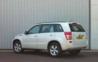 Suzuki Grand Vitara – Cleaner rear styling, cleaner emissions