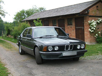 Ex-Roald Dahl BMW is a 'Peach'