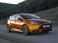 Ford Focus ST makes global debut at Paris Motor Show