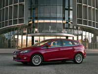First consumers to test drive new Ford Focus in Madrid