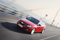 New Chevrolet Cruze model to hatch at Geneva