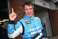 Chevrolet Cruze returns to defend BTCC title
