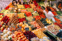 Fresh produce market opens to public in Paris