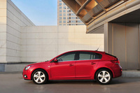Chevrolet Cruze hatchback prices announced