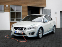 Volvo develops range extenders for electric cars