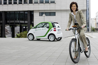 Urban electric mobility from smart - now also on two wheels