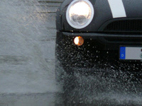 Aquaplaning - don't lose your grip
