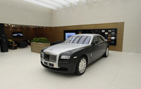 Rolls-Royce Ghost raises the two-tone in Geneva
