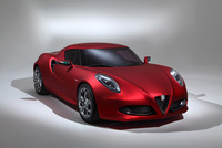 Alfa Romeo enjoys success in Villa d'Este with the 4C