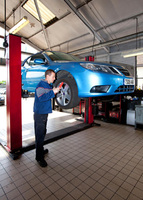 Free MoT with a Saab fixed-price service