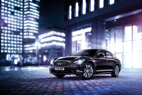 Infiniti M35h hybrid on fast track to business success