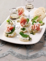 Parma Ham blinis with homemade pesto