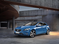All-new Volvo V40 R-Design and Cross Country pricing announced