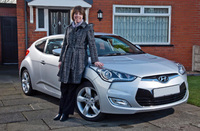 Shopper gets more than she bargained for - a Hyundai Veloster