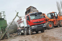 Free Flow Concrete mixes up fleet with first Renault Kerax