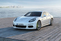 The new Porsche Panamera: First plug-in hybrid drive in the luxury class