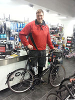 Cycle Surgery builds 'biggest ever' road bike for Britain's tallest policeman