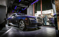 Rolls-Royce Wraith UK debut in Harrods' window
