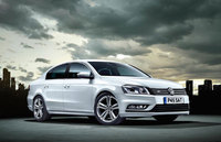 Volkswagen Passat R-Line: Family favourite gets even more style