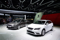 Seat unveils Leon Ecomotive and Leon TGI