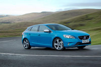 Volvo introduces new Drive-E powertrain to the V40
