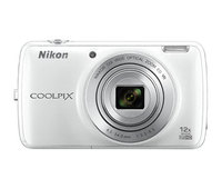Shoot, get connected and share with the COOLPIX S810c