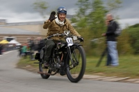 600 Vintage bikes ride en masse for nostalgic Banbury Run!