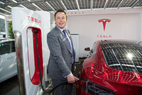 Right Hand Drive Tesla Model S arrives in the UK