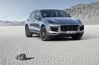New Porsche Cayenne underlines its status as sports car among SUVs