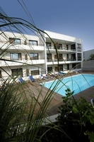 Teach yourself how to book a last minute 2014 family holiday at 2004 prices