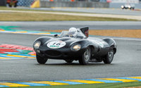D-type leads parade of Jaguars at the 2014 Goodwood Revival