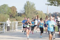 Runners in Worcester 10k helped on their way by Taylor Wimpey