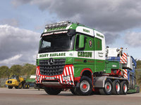Mercedes-Benz Arocs delivers Cadzow a new force in heavy haulage