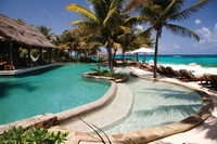 Live the life of the Necker Island Super Rich