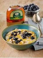 Lyle's Golden Syrup treats Londoners to free bowl of porridge