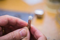 Women expect Mr Right to spend over £1,000 on engagement ring