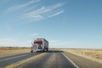 Reasons why truck drivers should practice defensive driving
