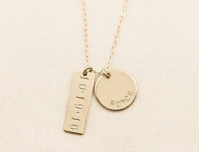 personalized jewelry pieces
